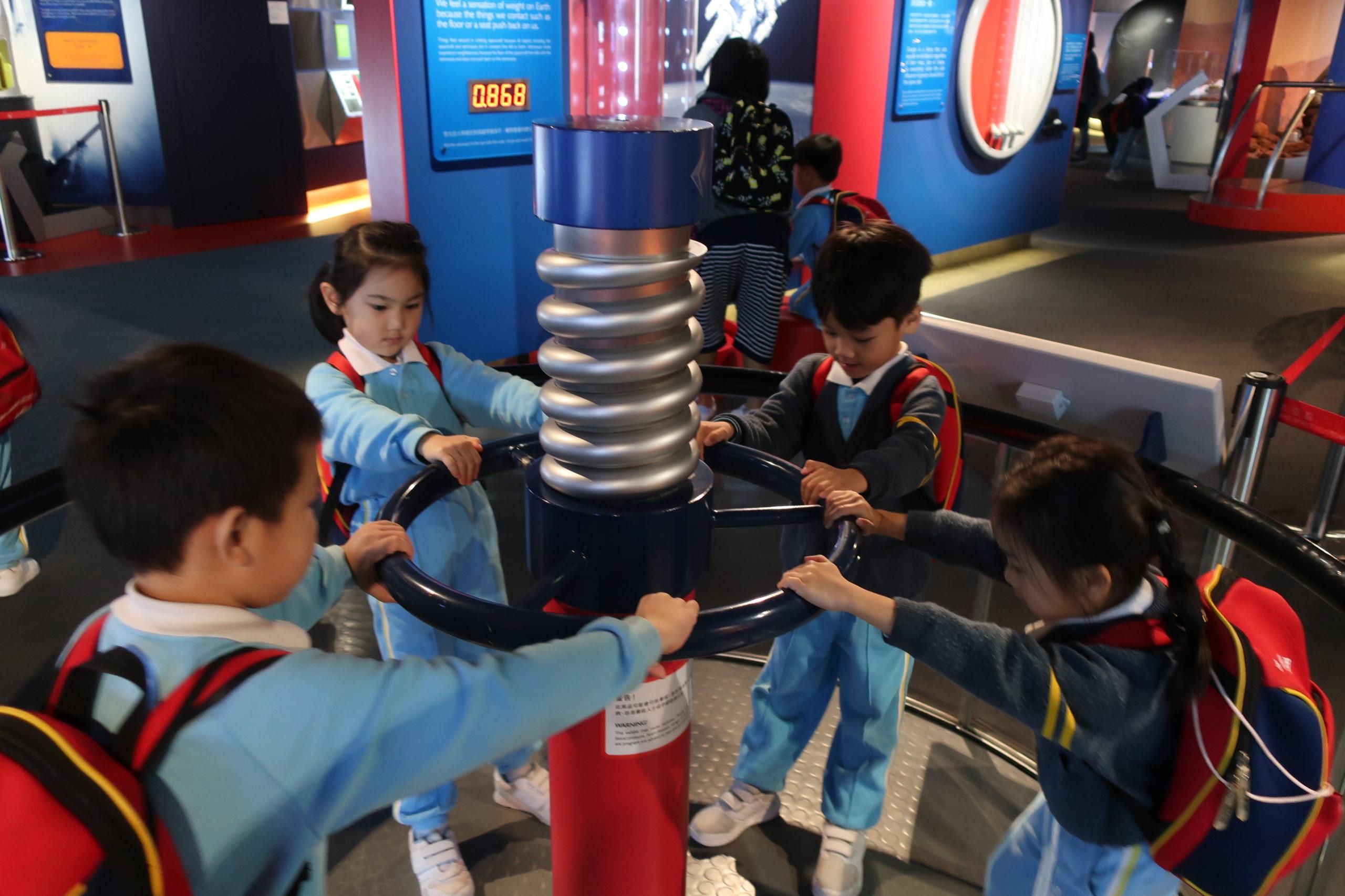 (18-19年度)2019-3-1–高班參觀太空館
